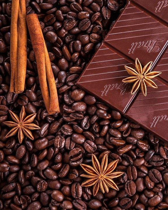 cioccolata e caffè fra i cibi vietati